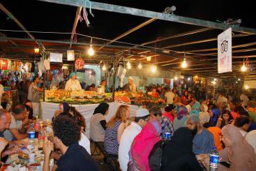 Disfrutando De La Noche En Marrakech